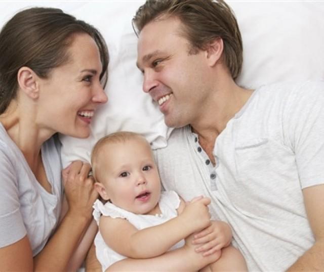 La mujer, es el principal fundamento del calor del amor en el hogar.