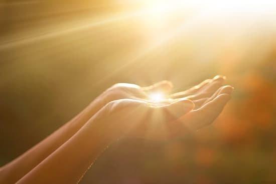 Orar es hablar con nuestro propio Dios interior profundo.