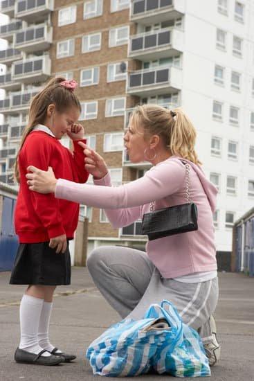 A veces un regaño hecho con ira, causa un trauma al hijo.