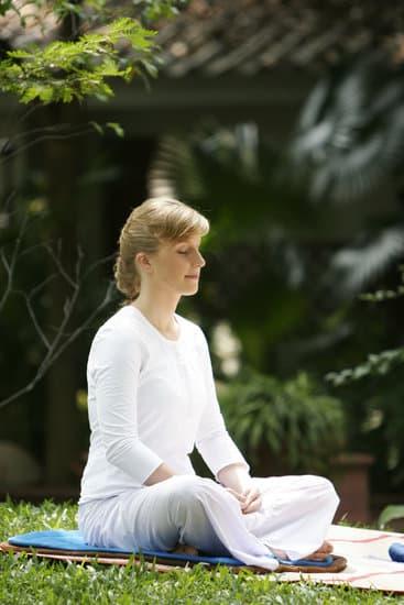 Para meditar necesitamos adquirir relajación física, emocional y mental.