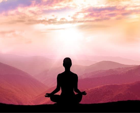 Meditando podemos alcanzar elevados estados de conciencia (paz, alegría, felicidad, liberación)