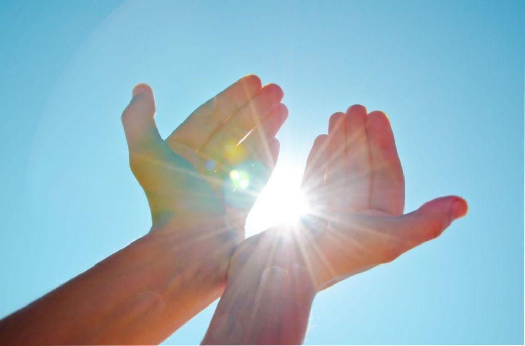 El sol que para muchos simplemente es el que da luz al día, es el que con sus poderes, a través de un proceso de emisión energética nos da el poder de crear.